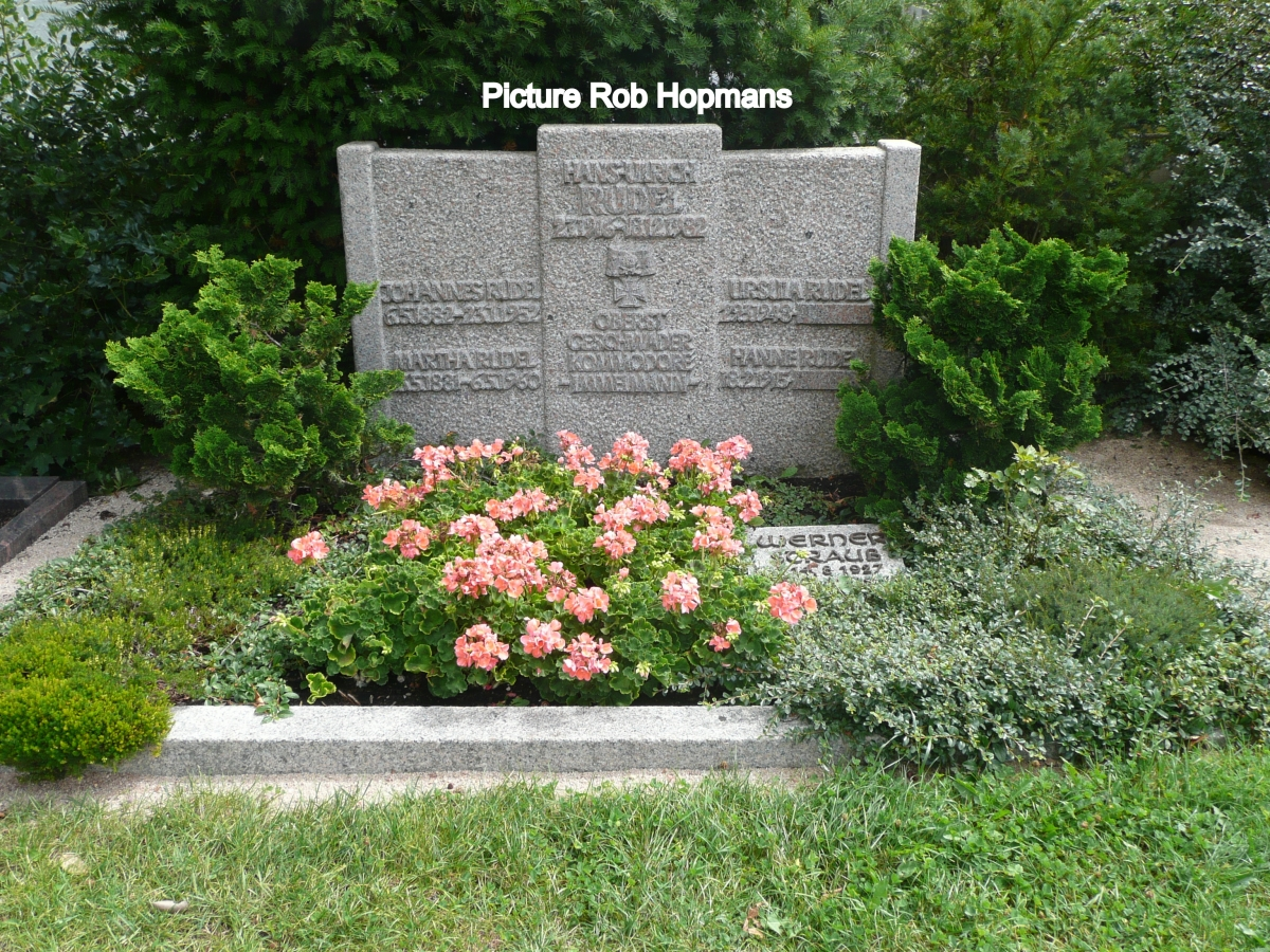 Rudel Hans Ulrich Quot Eagle Of The East Front Quot Ww2 Gravestone