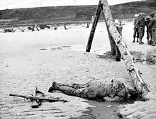 220px-Omaha_Beach_American_Casualty