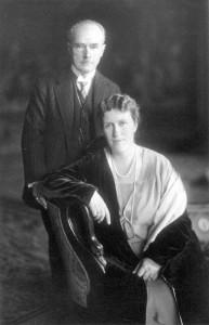 385px-Bertha_und_Gustav_Krupp_von_Bohlen_und_Halbach,_1927