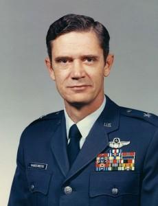 459px-MGEN_Vandenberg,_Hoyt_Jr_(BGEN_-_Commandant_of_USAFA)