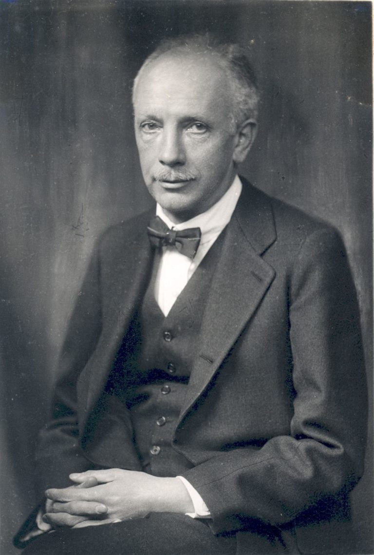 richard strauss About: richard l strauss authored nine books, and served as pastor of churches in fort worth, tx, huntsville, al he was pastor of emmanuel faith community church in escondido, ca from 1972 to 1993 when the lord called him home.