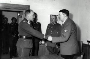 1 Rainer Stahel Adolf Hitler Heinz Guderian Nikolaus von Below knights cross Oakleaves swords presentation award ceremony