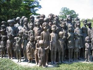 800px-Memorial_lidice_children_(2007)-commons