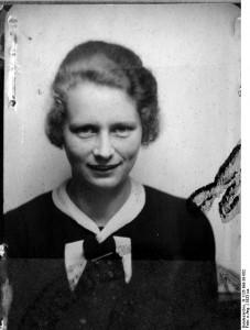 Bundesarchiv,_Bild_N_1126_Bild-38-002_Hedwig_Potthas