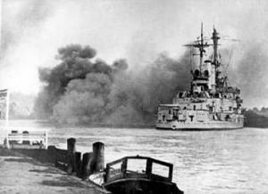 Schleswig_Holstein_firing_Gdynia_13.09.1939