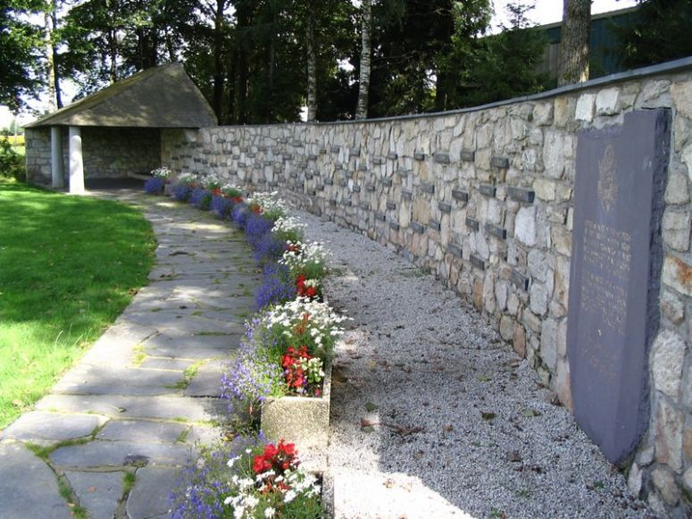 Malmedy_massacre_memorial__1433071323_76058