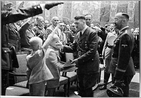 Hitler-expresses-condolences-to-Heydrich's-sons-at-State-Funeral-for-Reinhard-Heydrich