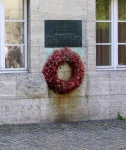 von-stauffenberg-execution-site-berlin-germany+1152_12780697571-tpfil02aw-15320