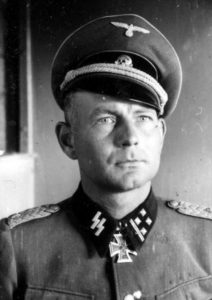 Bundesarchiv_Bild_101III-Zschaeckel-195-21,_Otto_Kumm