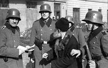 220px-bundesarchiv_bild_101i-030-0780-28_krakau_razzia_von_deutscher_ordnungspolizei